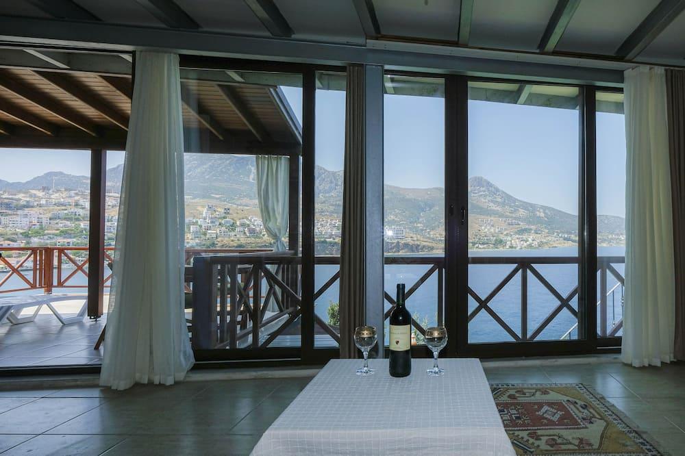 Romantic Apartment (Ronesans) - Living Area