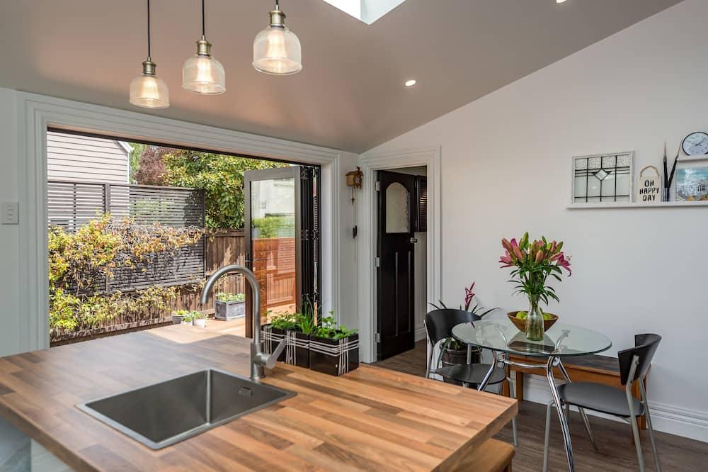 Māja, trīs guļamistabas - Dzīvojamā zona