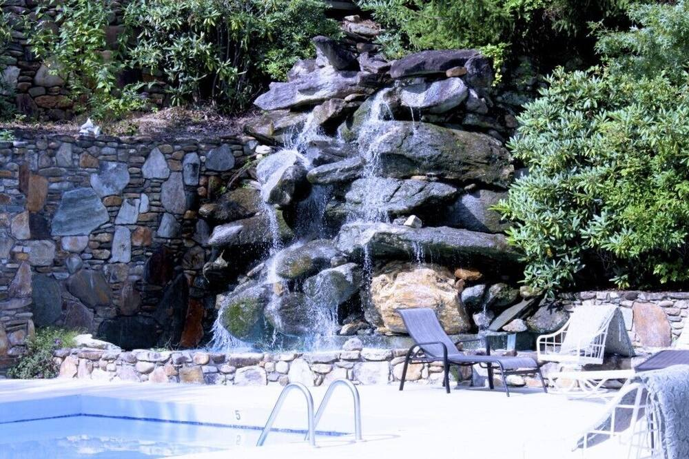 公寓式客房 (North Carolina Mountain Retreat) - 游泳池