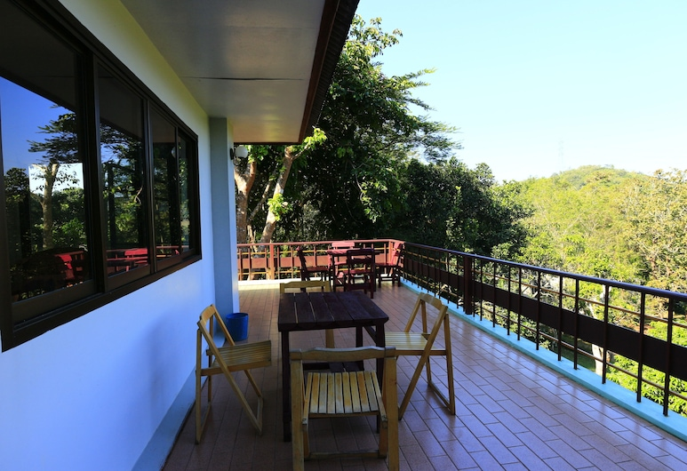 Toob Phasing, Nan, Terrace/Patio