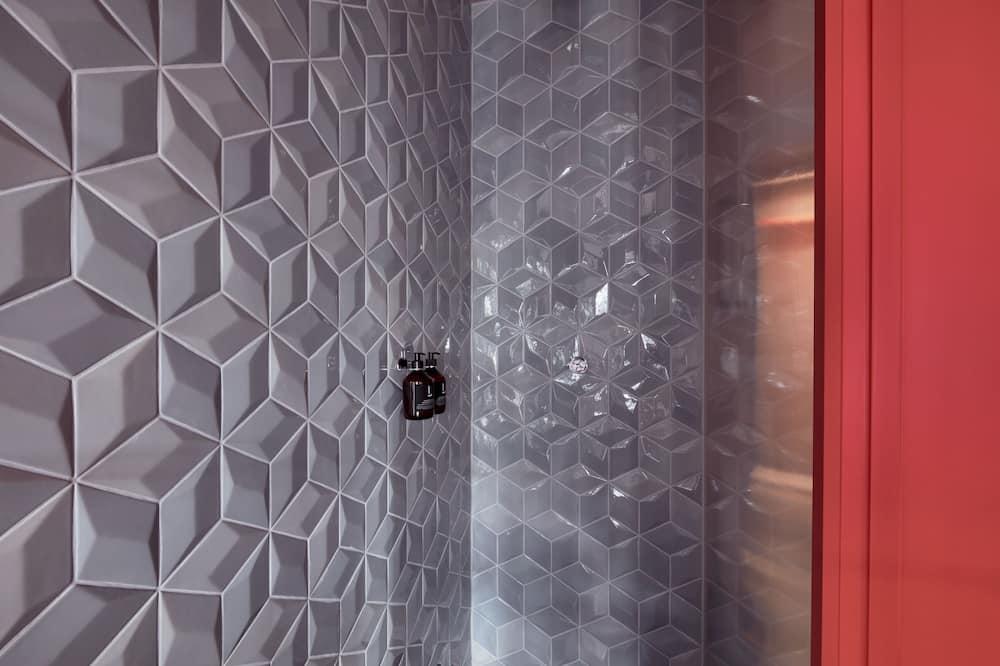 Deluxe Double Room (LINDLEYs 22) - Bathroom