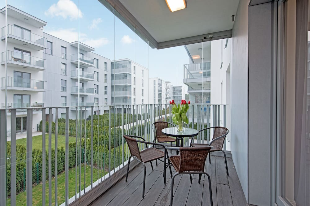 Family Apartment, Courtyard View - Balcony