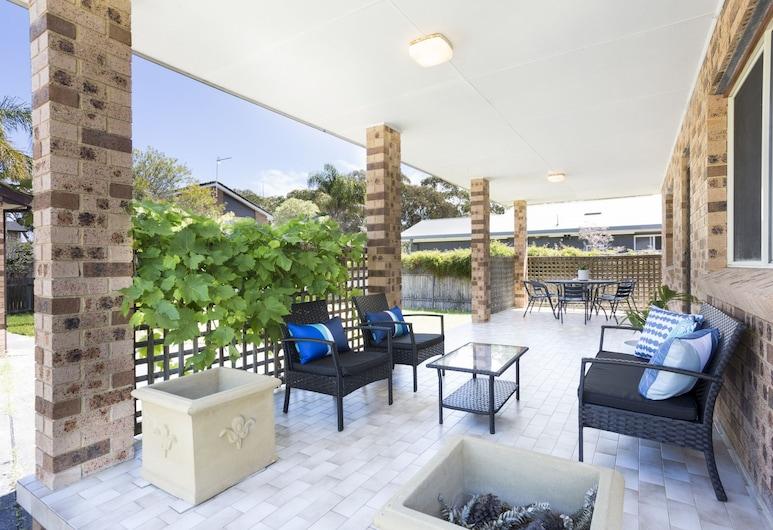 South Coast Getaway House Sleeping 8 Guests, Vincentia, Deluxe-hus - 4 soveværelser, Terrasse/patio