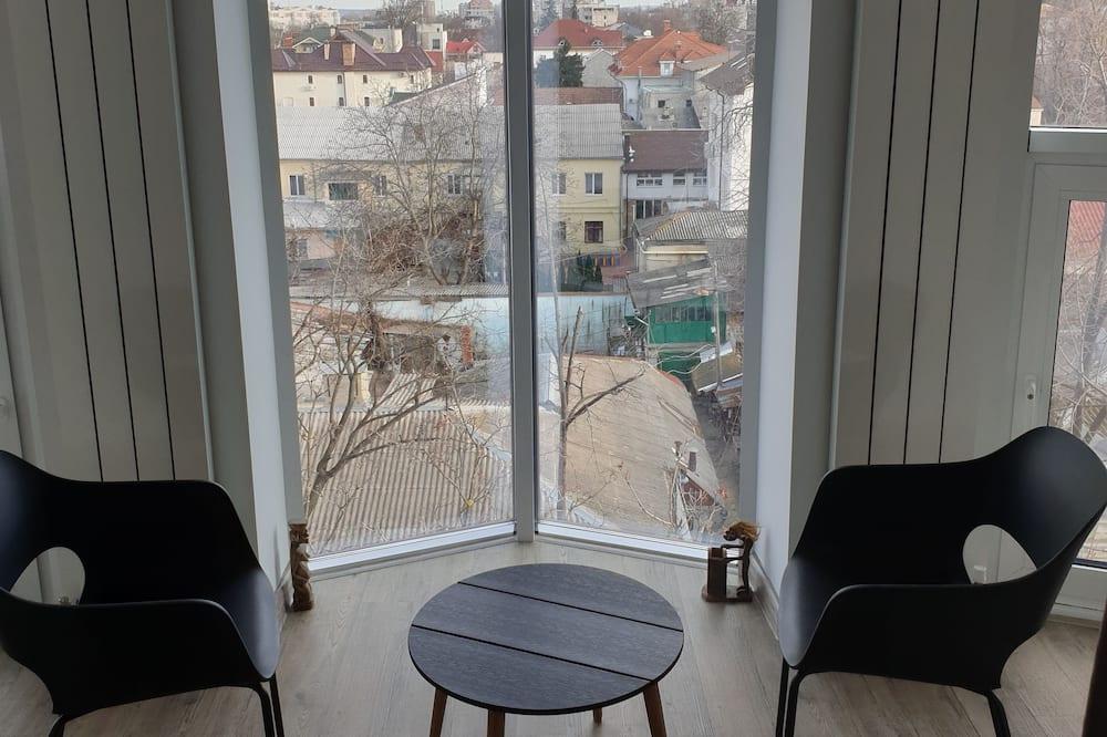 דירה - נוף לרחוב