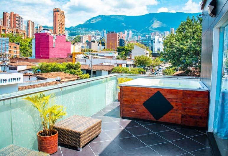 Icon Suites, Medellin, Bubbelpool utomhus