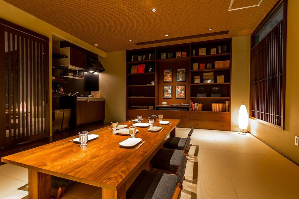 Suite (with Semi-open-Air Bath, 90m2) - Sala de estar