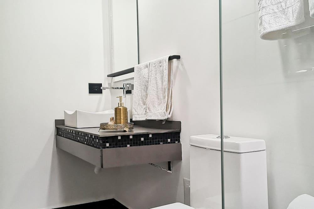 Superior Δίκλινο Δωμάτιο (Double), 1 King Κρεβάτι, Μη Καπνιστών - Μπάνιο