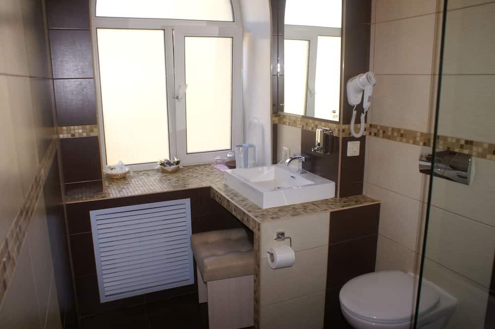 Comfort Room, 1 Bedroom - Bathroom