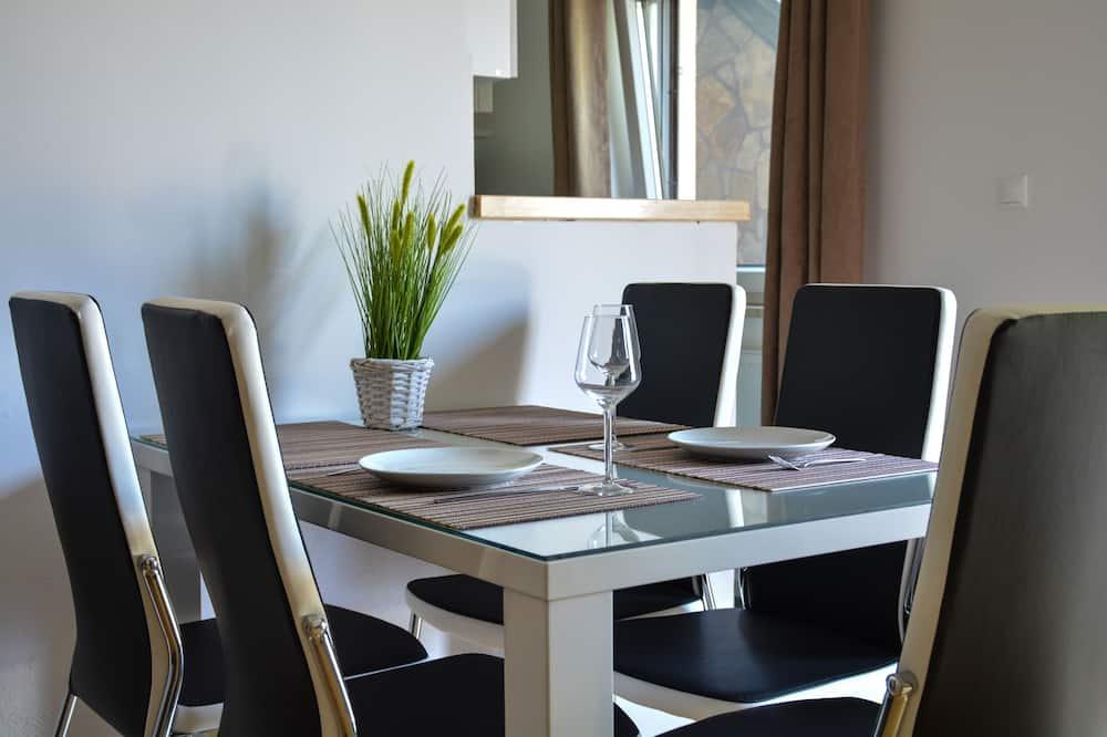 Апартаменти (Belle) - Обіди в номері