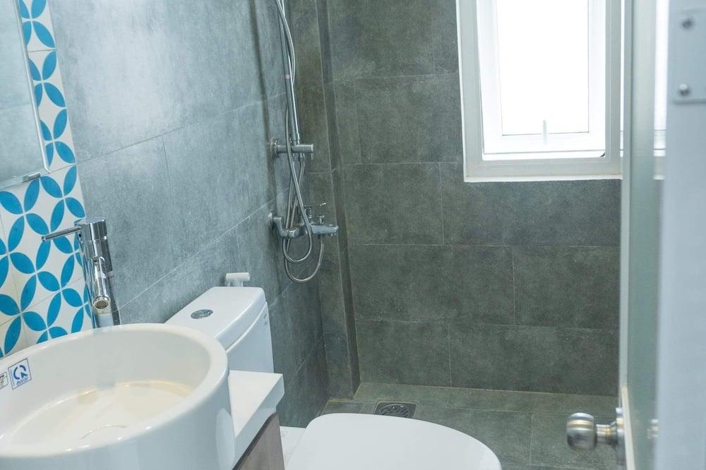 Standard Double Room, Balcony - Bathroom Amenities
