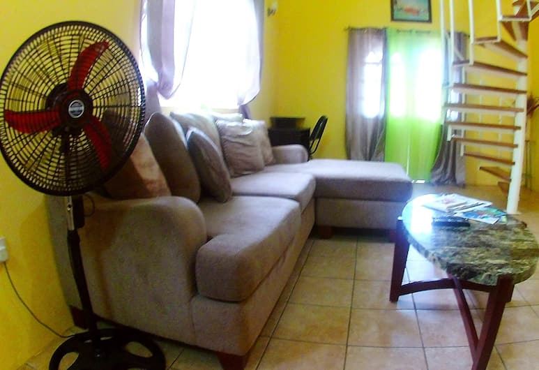 Caribbean Dream Vacation Property Ltd., Gros Islet, Family Apartment, Multiple Beds, Non Smoking, Garden View, Room