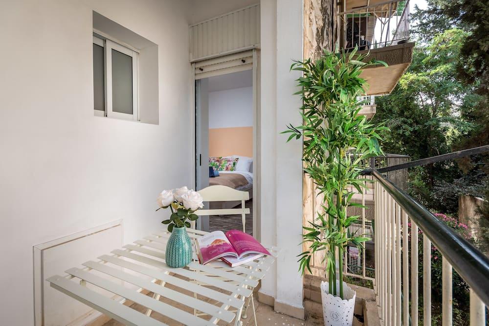 Deluxe Apartment, Multiple Beds, Non Smoking - Balcony