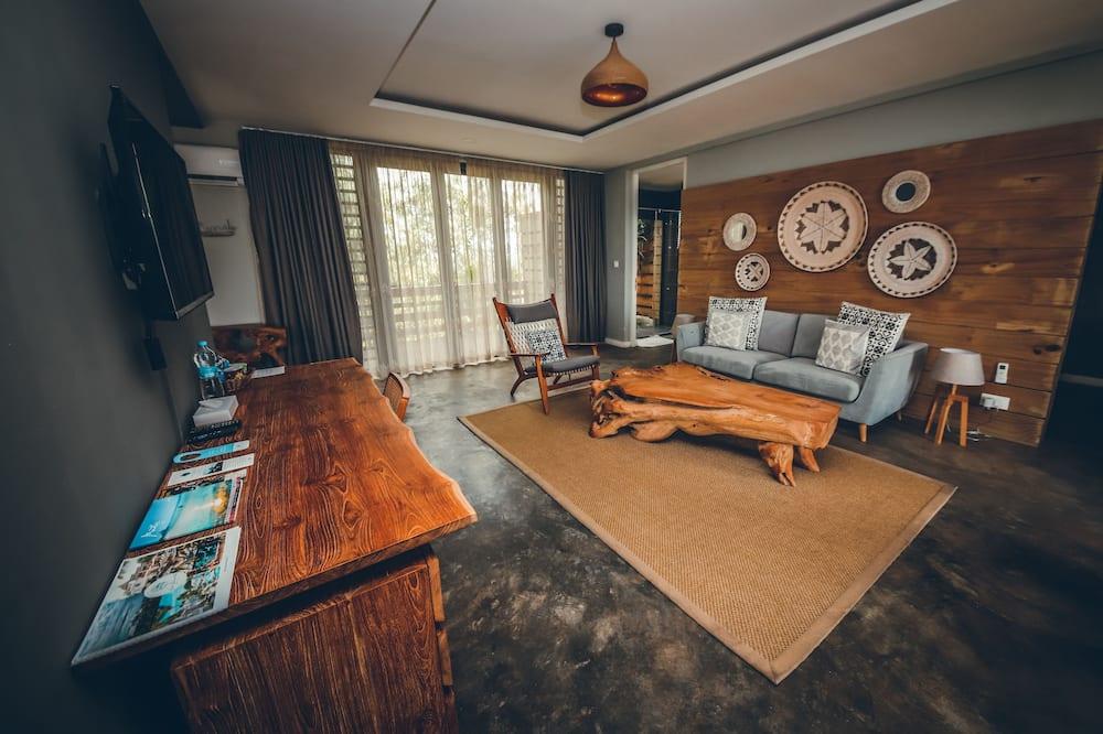 Exclusive Suite, 1 Queen Bed, Non Smoking, Ocean View - Living Room