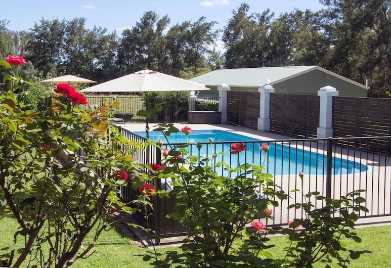 Mudgee Country Grandeur Home, Маджі, Відкритий басейн