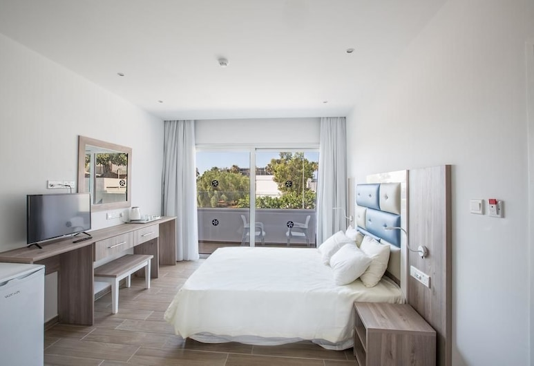 Stratovarius Luxury Rooms, Ayia Napa