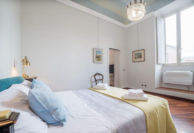 San Giovanni Elegant 6 Pax Apartment, Rom, Apartment, 2 Bedrooms, Bilik