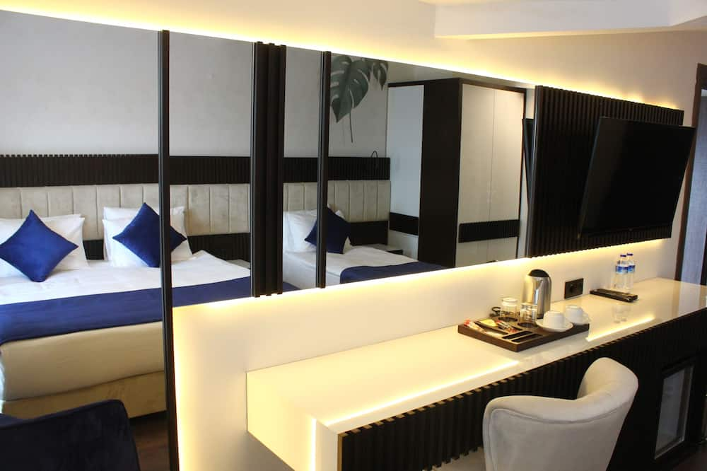 Executive Triple Room - In-Room Dining