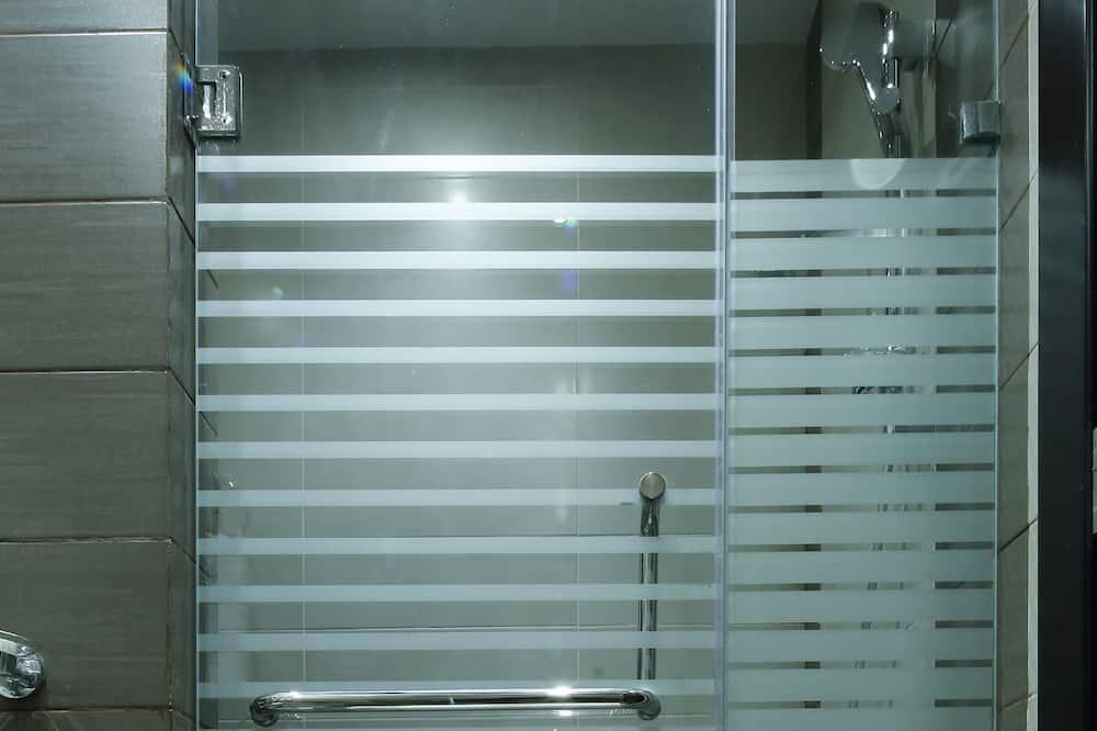 Одномісний номер категорії «Superior», 1 ліжко «квін-сайз», з видом на місто - Ванна кімната