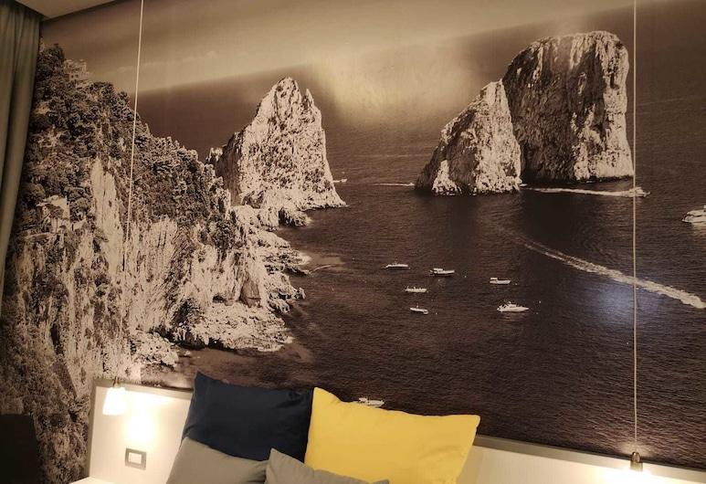 Beverello Rooms, Napoli, Kolmen hengen huone (Capri), Vierashuone