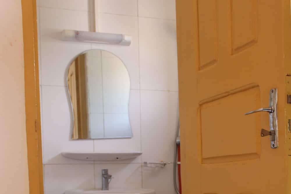 Pokoj typu Superior, dvojlůžko, kuřácký, výhled na město - Koupelna