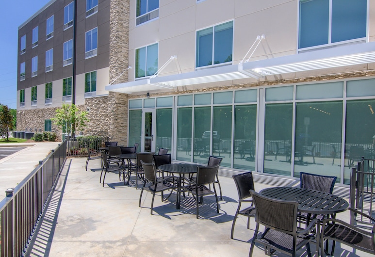 Holiday Inn Express And Suites Mobile - University Area, an IHG Hotel, Mobile, Property Grounds
