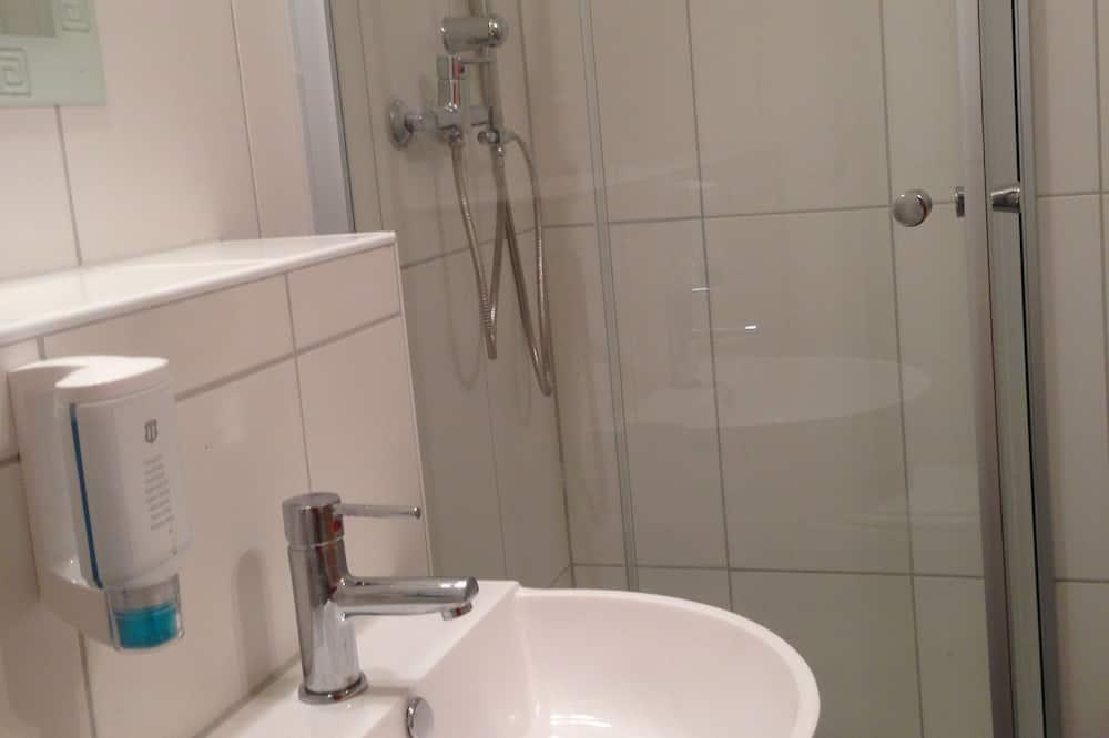 Kamer, Meerdere bedden - Badkamer