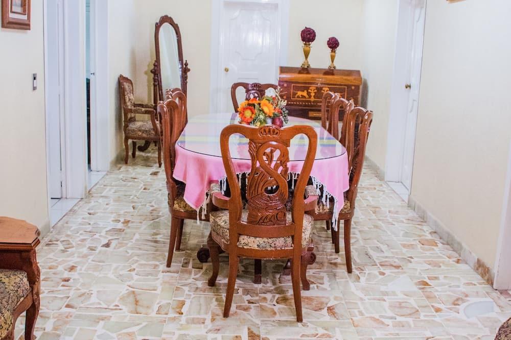 Rodinný domek - Stravování na pokoji
