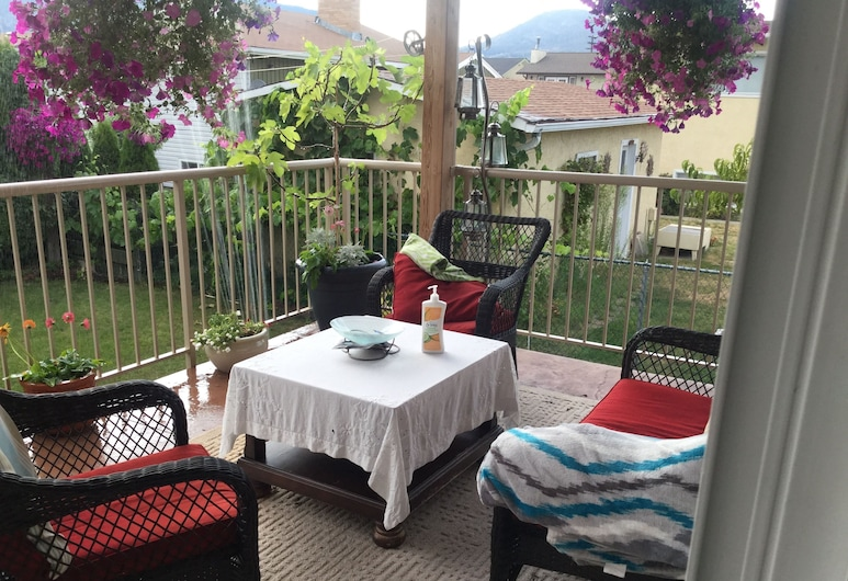 Indiahouse, Penticton, Terrace/Patio
