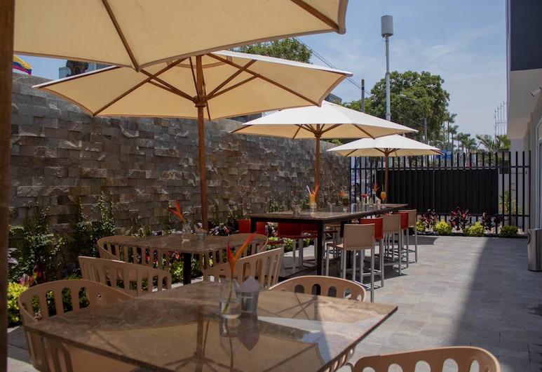 Hotel Estelar San Isidro, Lima, Terassi/patio