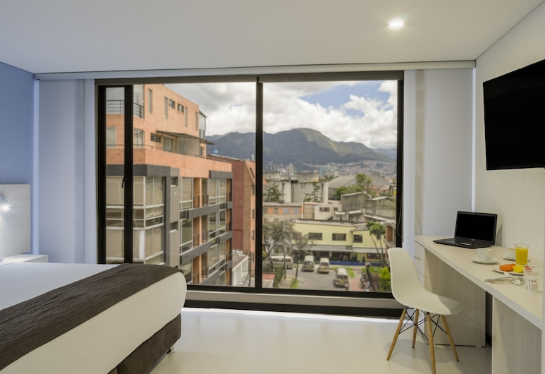 Hotel Regency Boutique La Feria, Bogotá, Superior Double Room, 1 King Bed, Non Smoking, Guest Room View