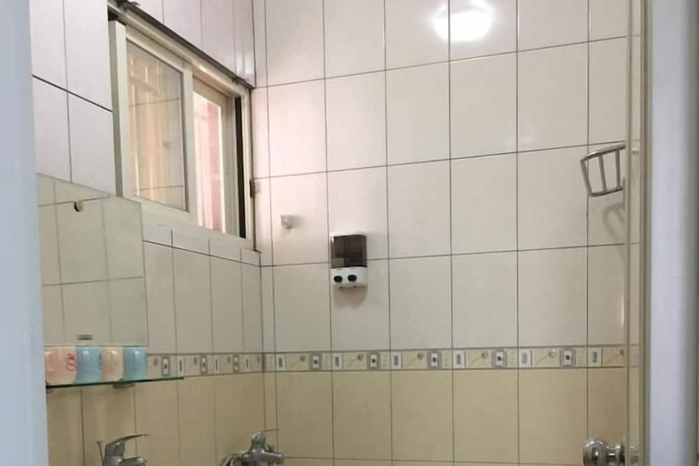 Doppelzimmer, 1 Doppelbett, Nichtraucher - Badezimmer