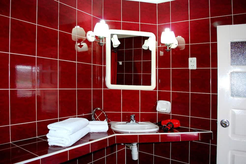 Habitación Confort con 1 cama doble o 2 individuales - Baño