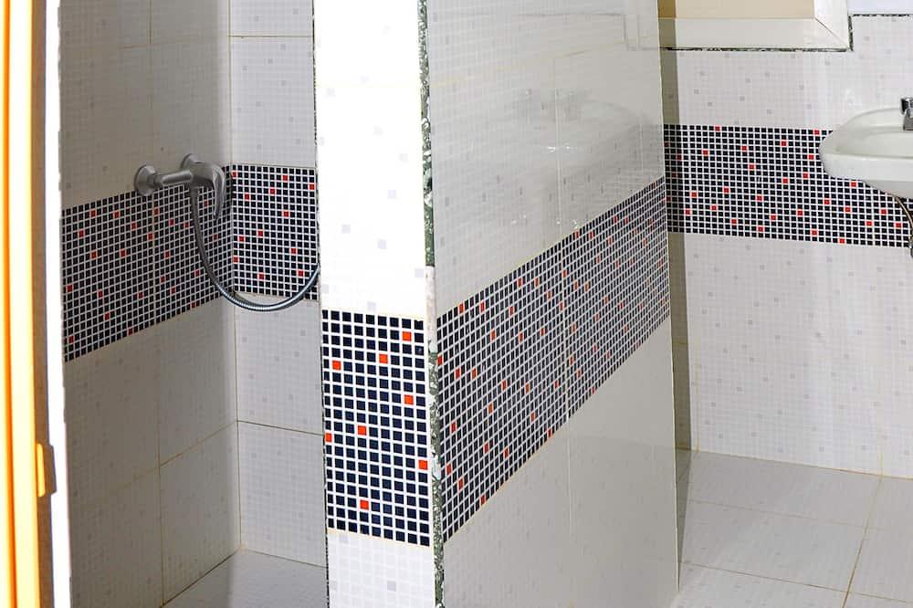 Double or Twin Room, 1 Bedroom - Bilik mandi