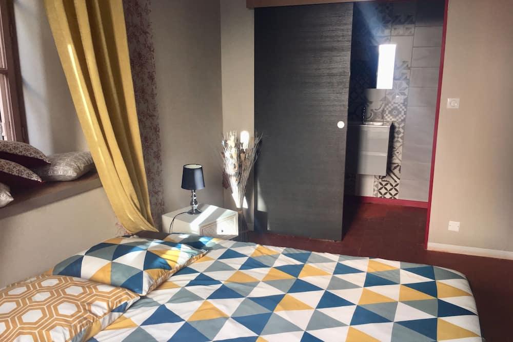 Deluxe Double Room, 1 Queen Bed, Non Smoking, Resort View - Guest Room