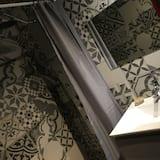Deluxe Double Room, 1 Queen Bed, Non Smoking, Resort View - Bathroom