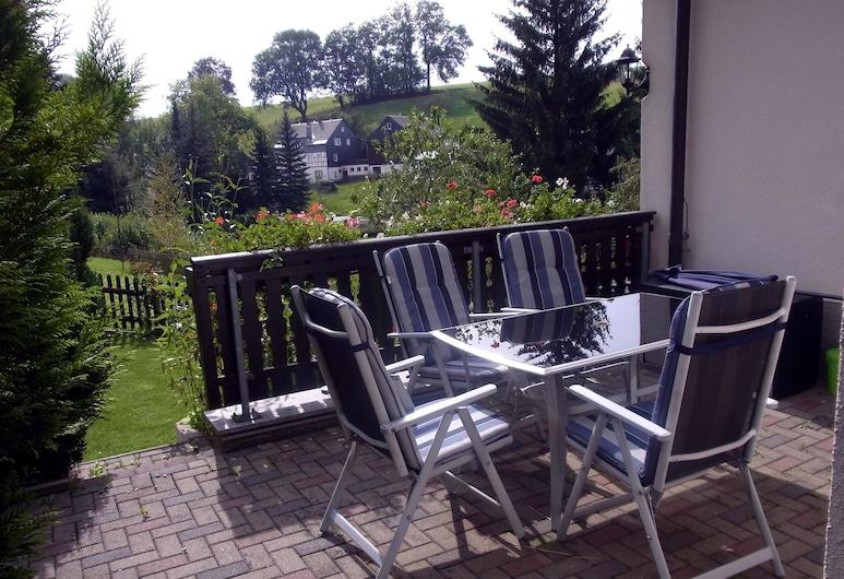 Ferienwohnung Am Kieferberg, Zwoenitz, Terraza o patio