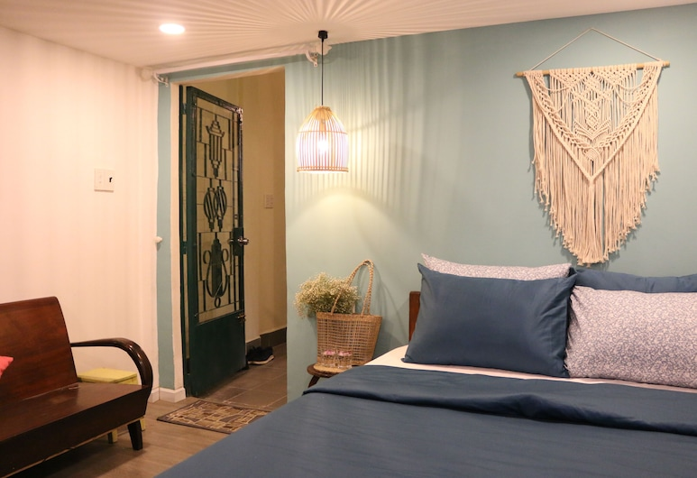 Saigon Old Town Coffee & Hostel, Ho Chi Minh City, Standard Double Room, Guest Room