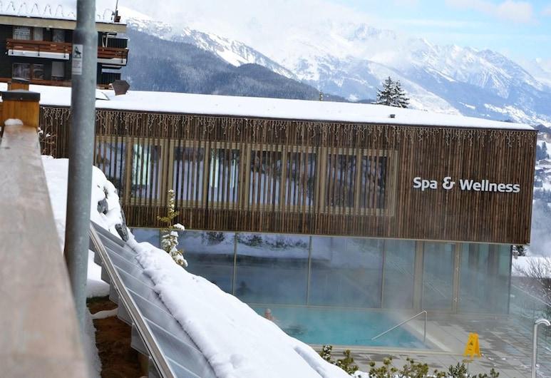 安塞热精彩山景 4 居木屋酒店 - 附设备完善花园及无线上网 - 离滑雪坡 100 米, 艾扬, 露台