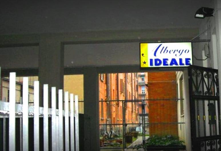 Hotel Ideale Stazione Centrale, Bologna, Facciata hotel