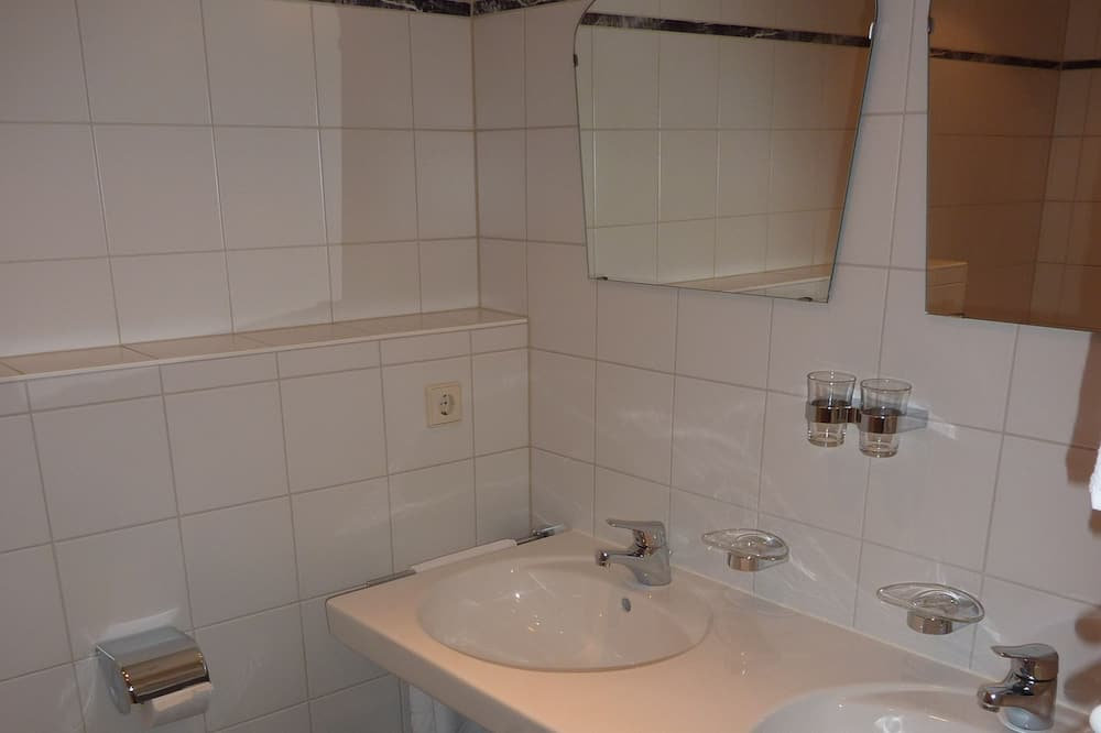 Apartament, 1 sypialnia - Łazienka
