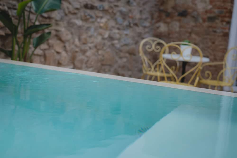 Apart Daire, 2 Yatak Odası, Zemin Kat - Özel havuz