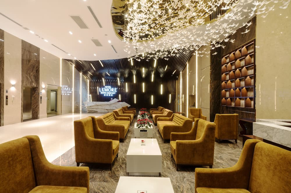 LeMore Hotel