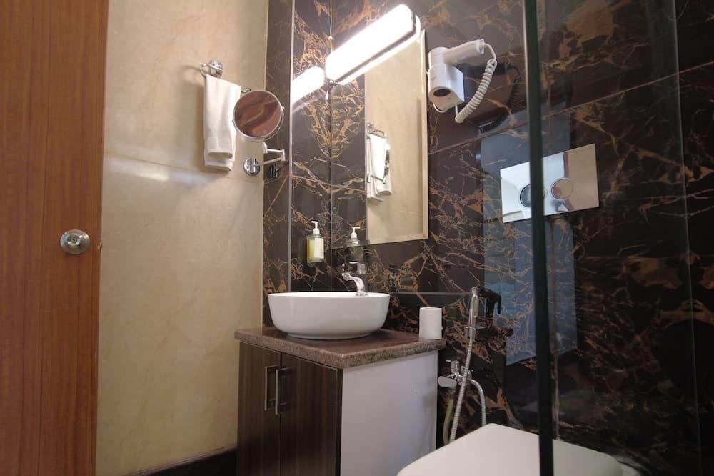 Deluxe Room, Mountain View - Bathroom