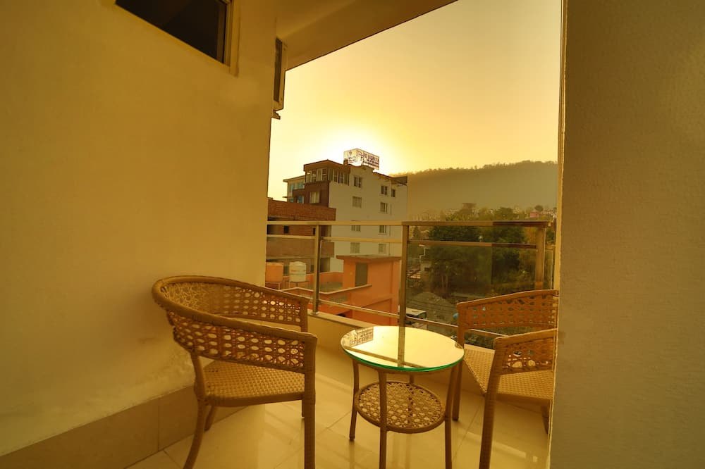 Deluxe Room, Mountain View - Balcony View