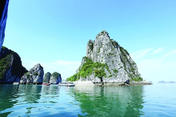 Enter your dates for special Hai Phong last minute prices