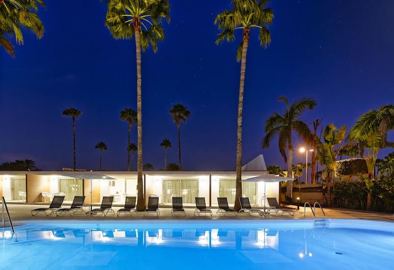 Sanom Beach Resort - Adults Only, San Bartolomé de Tirajana, Dobbeltrom – deluxe, 1 soverom, ikke-røyk, utsikt mot basseng, Oppholdsområde