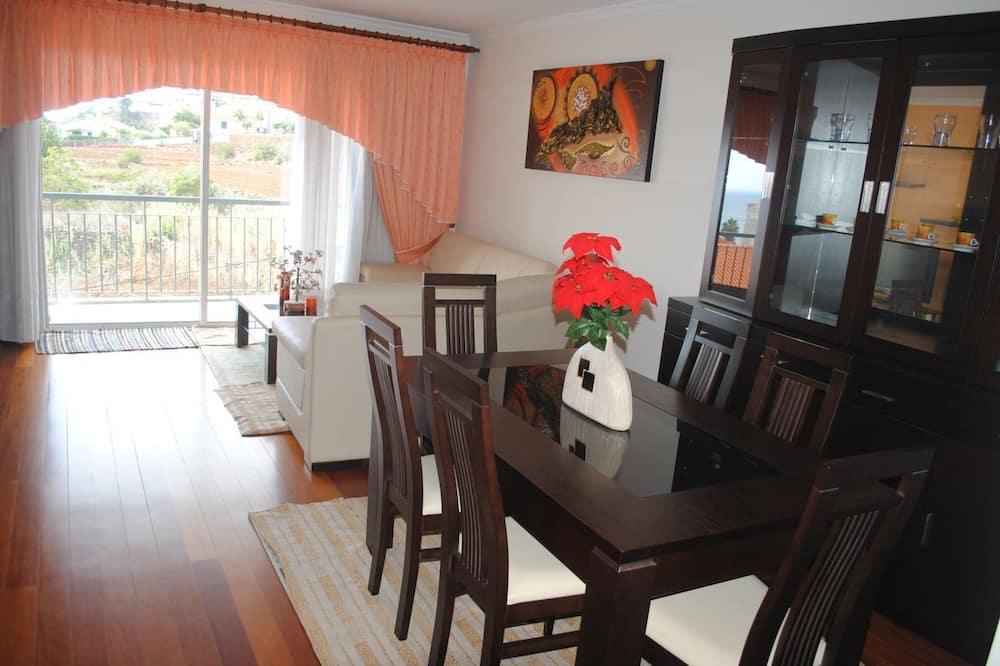 apartman, 2 hálószobával, erkély, kilátással a tengerre - Nappali