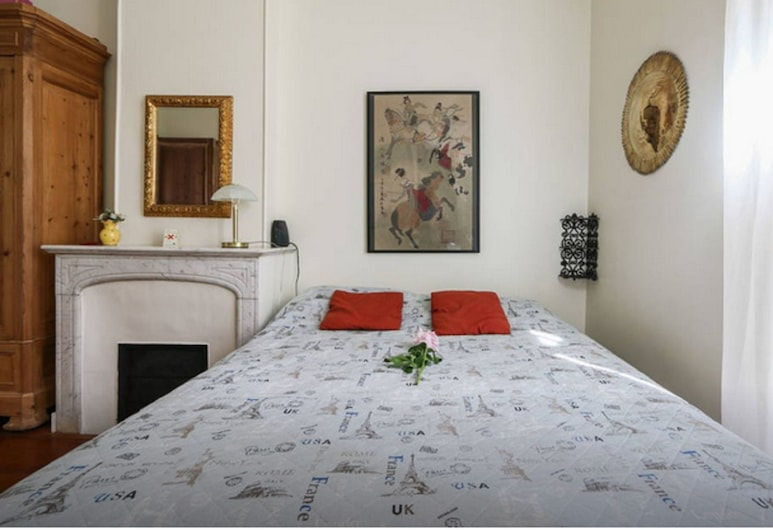Provencal Style and Large 1 Bedroom, Cannes