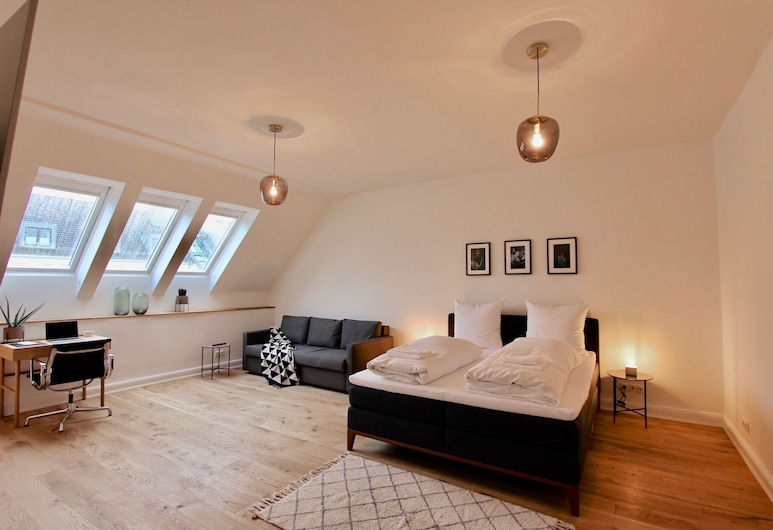 Superiour Inner City Loft, Hamburg, Room, 1 King Bed with Sofa bed (Zimmer 2), Room
