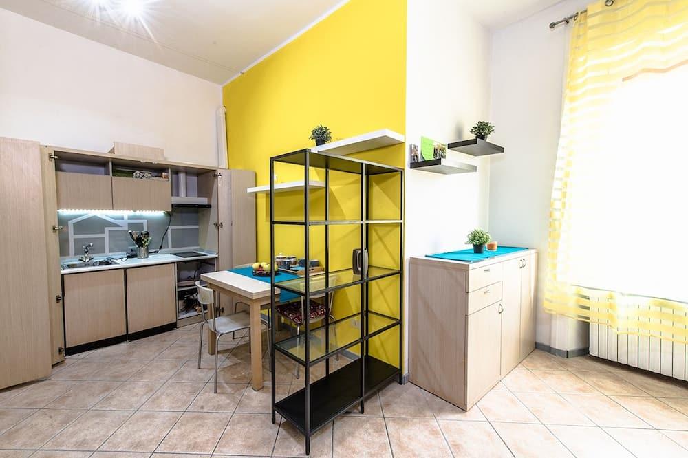 Apartamento - Comida en la habitación
